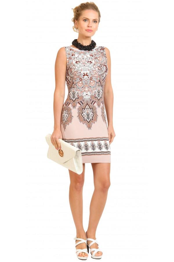 Летнее платье-футляр из трикотажа