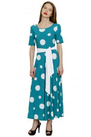 Длинное платье в горох.